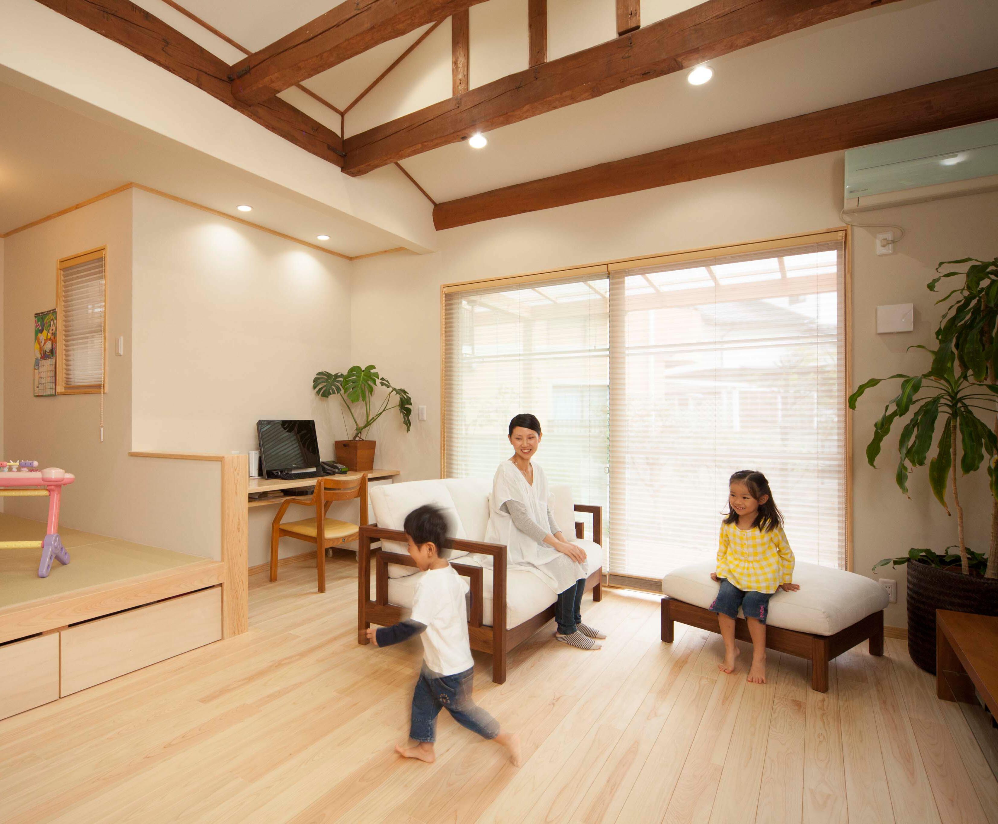 子供の笑顔が輝く自然素材のぬくもり包まれる家株式会社マリナ